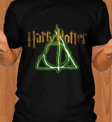 Harry-Potter-and-The-Deathly-Hallows-T-Shirt.jpg