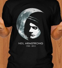 Neil-Armstrong-Memorial-RIP-Men-T-Shirt.jpg